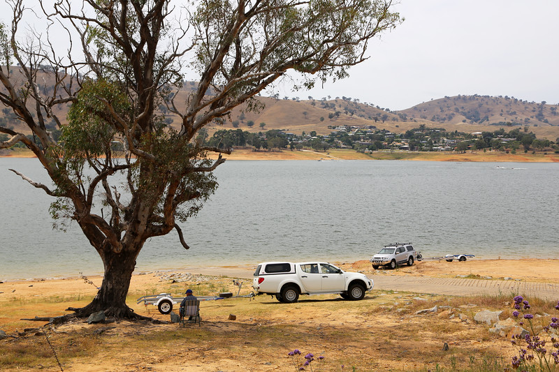 Australian landscapes and scenes -  Murray, Lake Hume region.