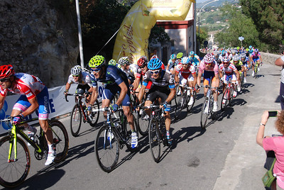 The lead peloton is hard on Alberto Contador's Tail - that's an