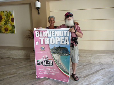 Rick and Kathy at the Giro d'Italia in Tropea
