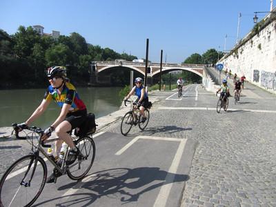 Leaving Rome on the bike path