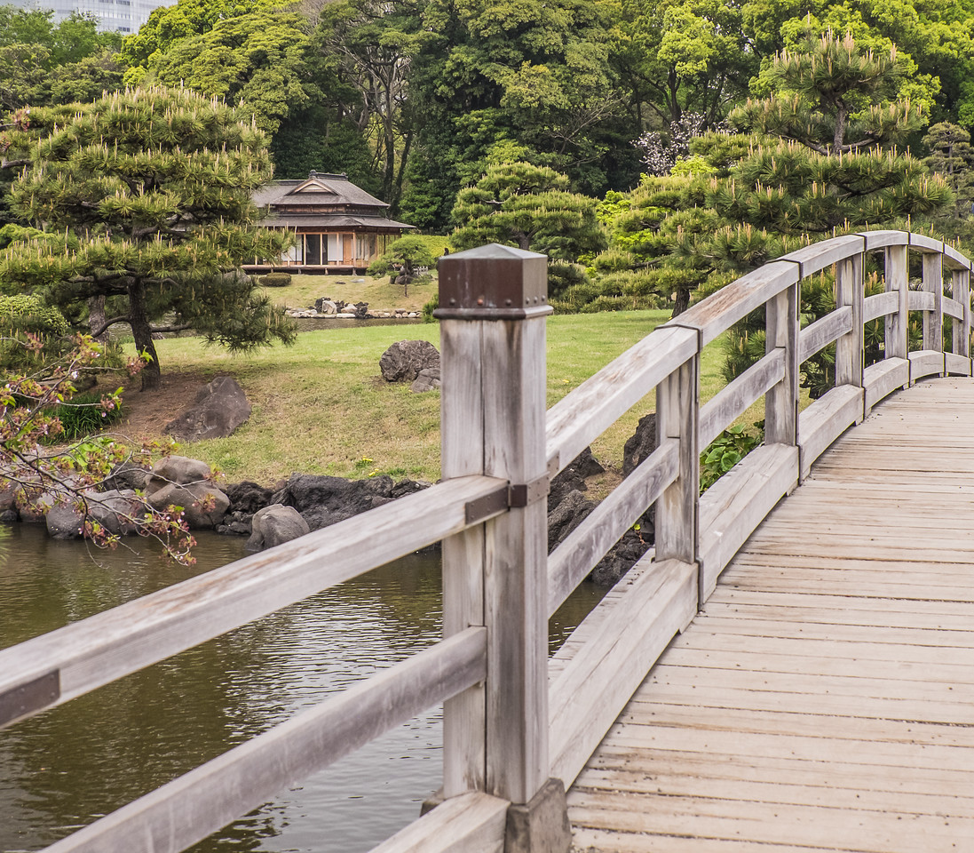 Bridge to teahouse