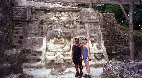 20010417 Stucco Mask late preclassic temple. Lamanai 0018