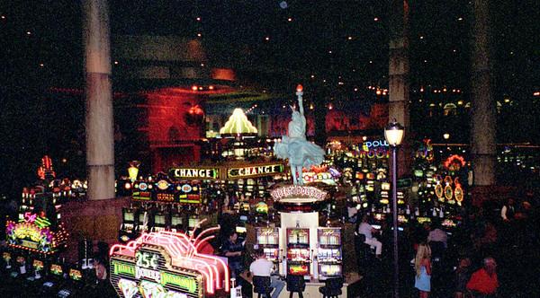 2001-6-8 Vegas Wedding 00021