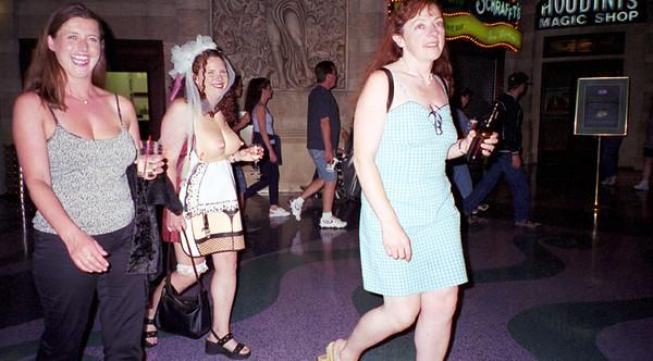 2001-6-8 Vegas Wedding 00023