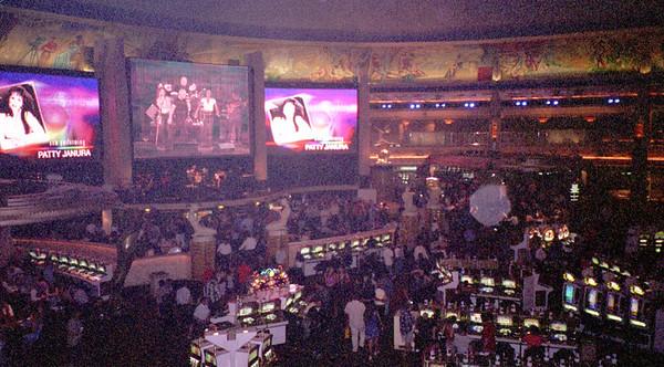 2001-6-8 Vegas Wedding 00025