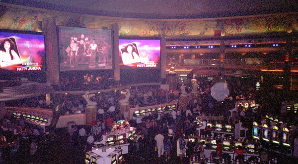 2001-6-8 Vegas Wedding 00025