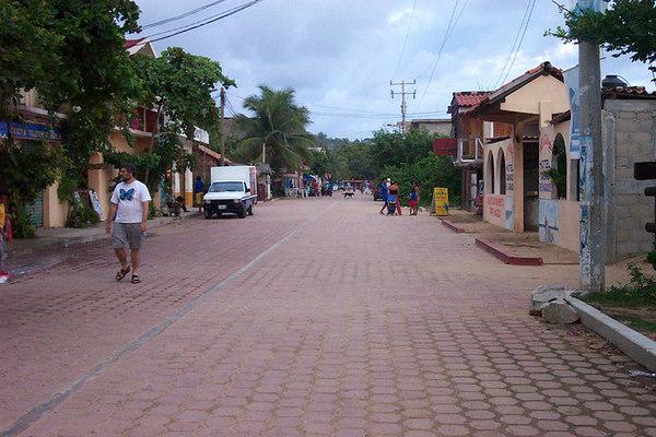 Downtown Zipolite