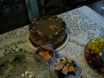 The cake.