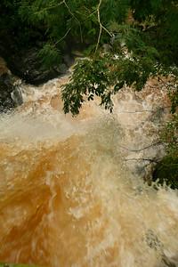 Dos Hermanas falls