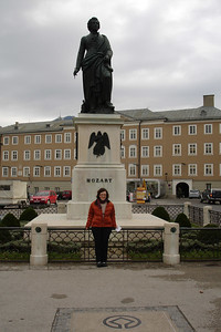 Sara with Mozart