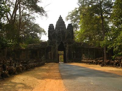 The gate of Angkor Thom