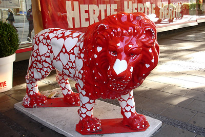 These lions were sponsored by various companies and placed throughout the city