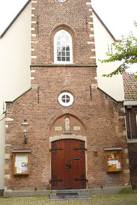 This was an Anglican church (formerly Catholic) on the grounds of the Begijnhof in Amsterdam. These were Catholic run communities for widows and other unmarried women to live in during the middle ages. It was handed over to the Anglicans hen the Catholic's were outlawed. This church was one of the last stops of the pilgrims before they headed off for America
