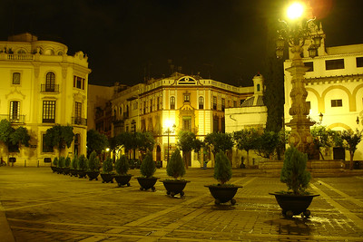 Square outside the Sevilla Cathedral