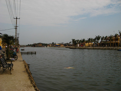 River running through Hoi An