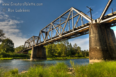 Railroad bridge over North Umpqua River new Winchester, Oregon