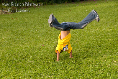 Looks like cartwheels are a universal skill set for children. Guatemala Mission Trip - Day 3 -  Sunday, November 11, 2007