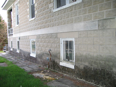 LEFT SIDE BEFORE. YES THAT IS A SIDEWALK AND NICE MOLD!
