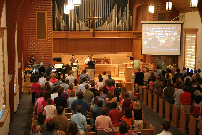The worship team leads singing at a Mosaic contemporary service, 9/2006.