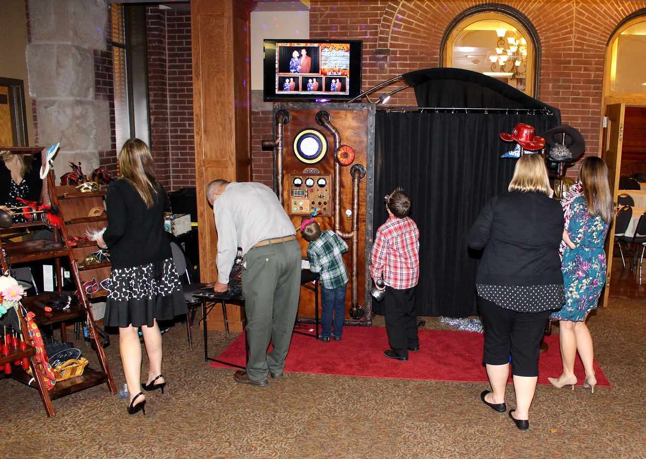 The Looking Glass Photo Booths Time Machine