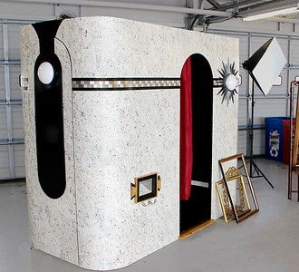 Our Art Deco Roaring 20s Gatsby Photo Booth
