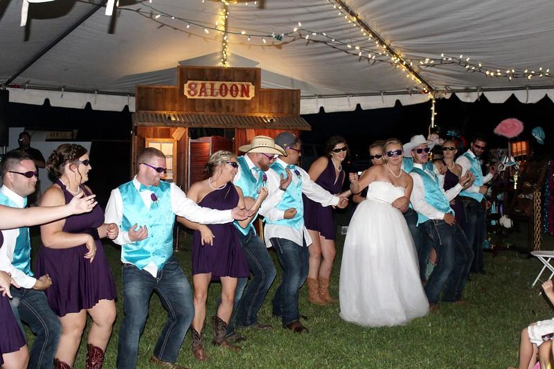 Rustic wedding.  https://thelookingglassphotobooths.com/