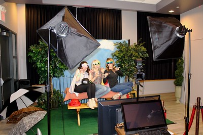 Picnic themed photo shoot at the Uptown Theater.