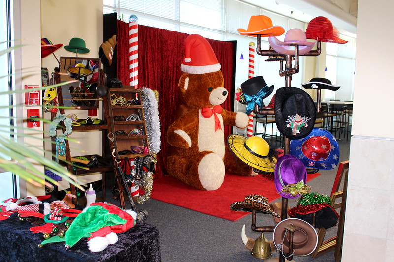A corporate photo booth shoot for Waddell & Reeds children's holiday party 2017. http://thelookingglassphotobooths.com/  https://thelookingglassphotobooths.com/