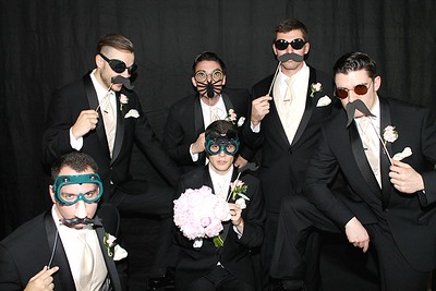 The Looking Glass Photo Booths Groom Shot