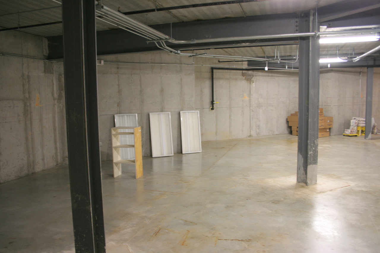 2/6/2008: undeveloped 'extra' space in the basement under the worship space