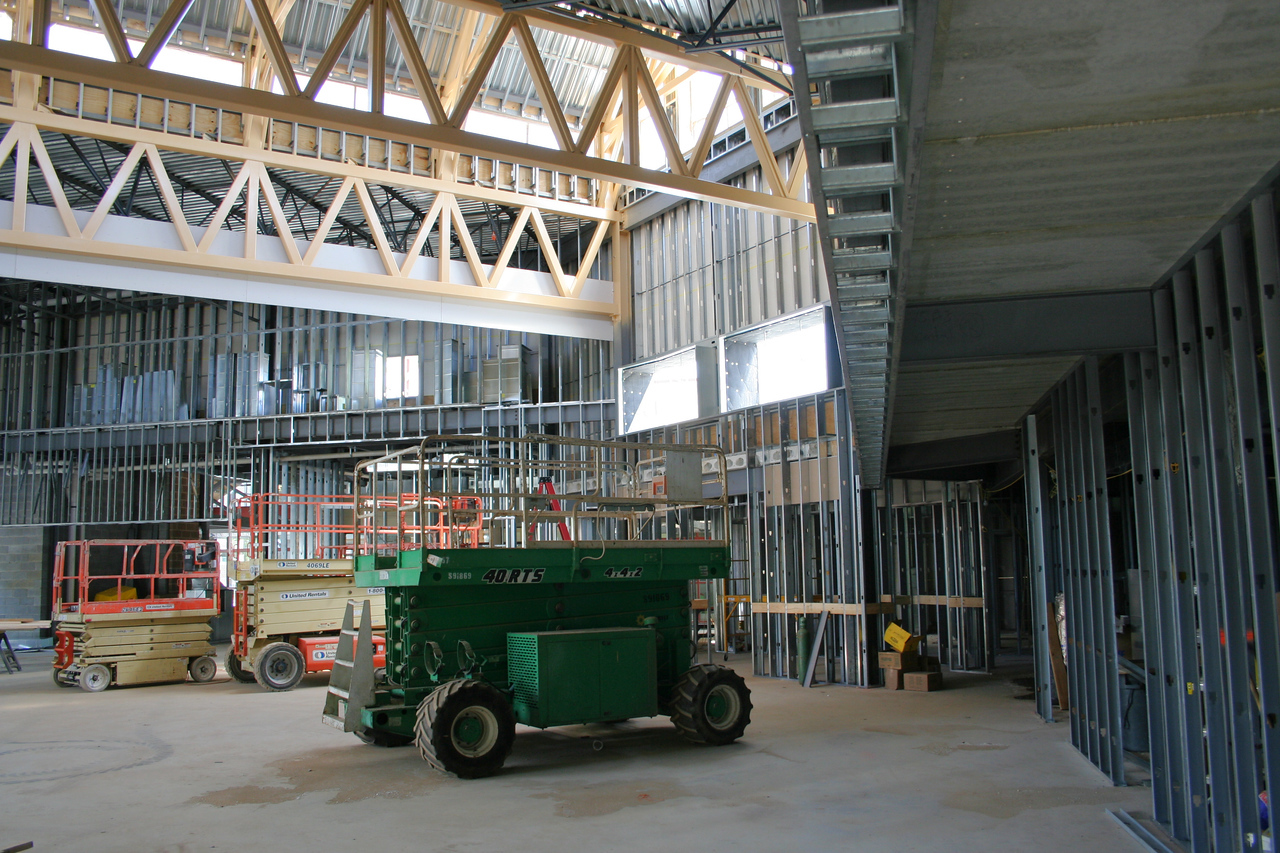 9/16/2007: worship center, inside.  View facing the south east corner.