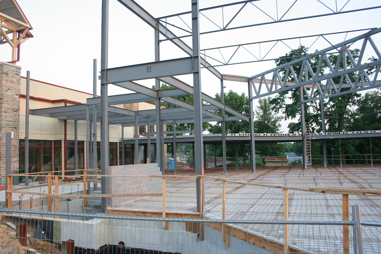 7/6/2007: showing steel girders for worship center. Concrete plank for floors is down and wire grid laid over it.