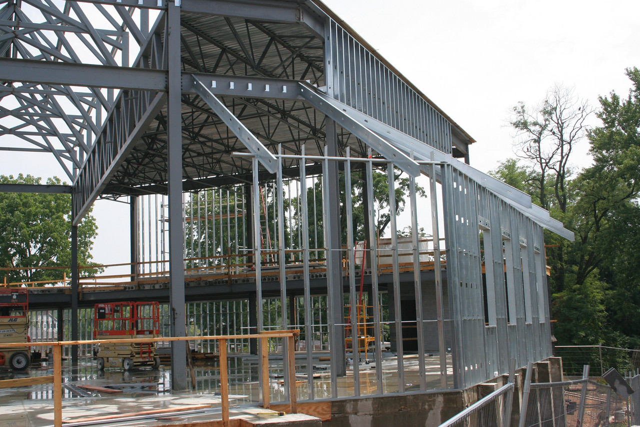 7/29/2007: northwest corner of the worship center, steel framing for the outer walls