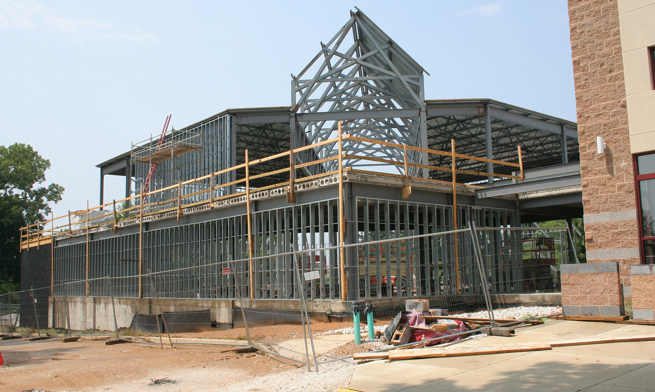 7/29/2007: south side of the worship center