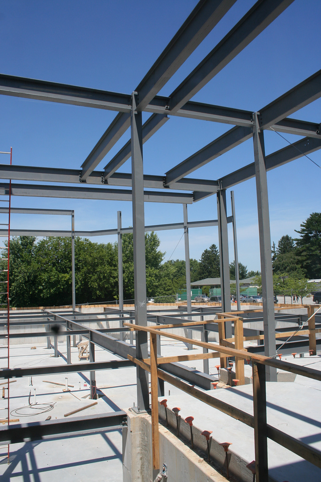 6/24/2007: showing steel girders for worship center