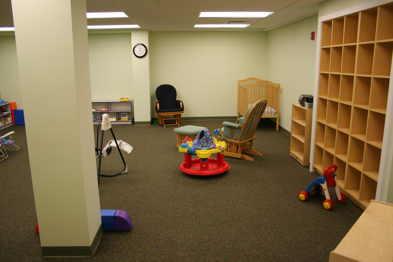 12/16/2007: New Infants nursery room -- first week in use!