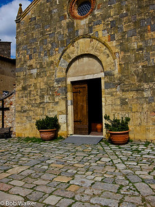 Michele took many of the following pictures in Monteriggioni, and Sienna. This is beautiful walled town. Note the old brick used throughout the town. http://en.wikipedia.org/wiki/Monteriggioni