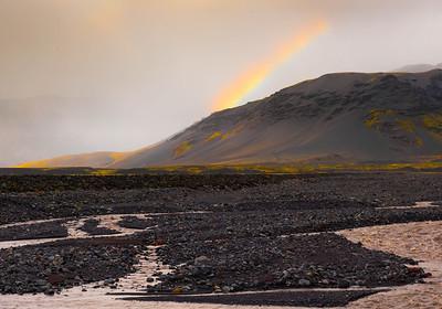 Iceland_A_4547965_satrainbow