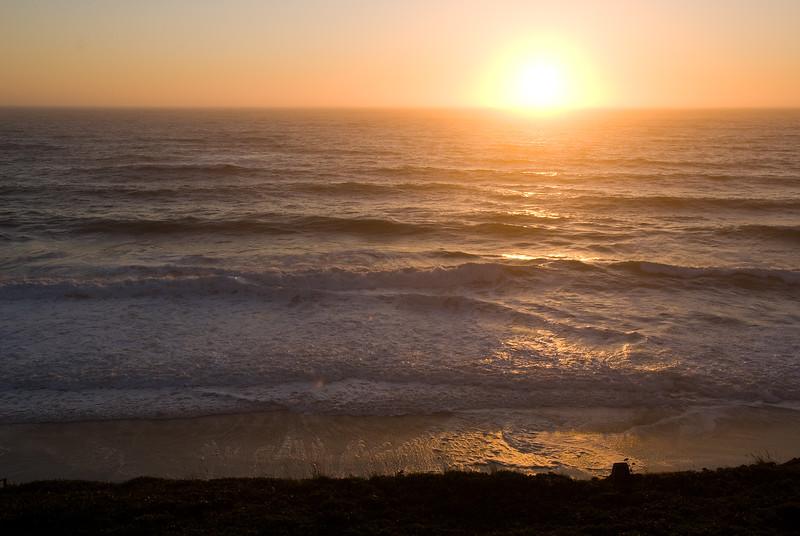 A nice sunset at the Cavalier.<br /> D200_2007-07-09DSC_1402-cavalierSunset-nice-2.jpg