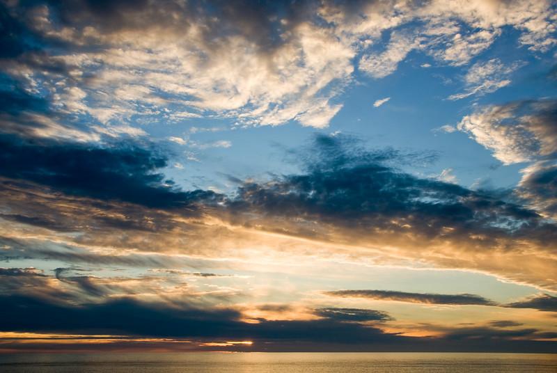 Sunset Colors<br /> Gleneden Beach, Oregon<br /> July 2007<br /> <br /> Copyright © 2007 Rick Kruer<br /> rickkruer.com<br /> <br /> D200_2007-07-13DSC_1853-SunsetSkyColors-2.psd