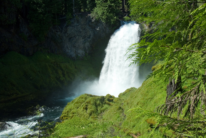 Sahalie Falls<br /> North of Ashland, Oregon<br /> <br /> Copyright © 2007 Rick Kruer<br /> rickkruer.com<br /> <br /> D200_2007-07-05DSC_1040-SahalieFallsWide-2.PSD