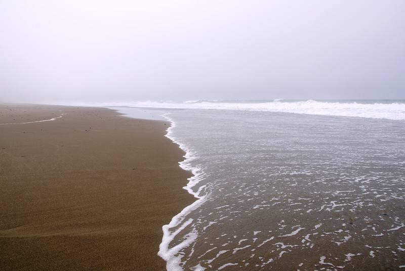 Foggy beach<br /> Gleneden Beach, Oregon<br /> July 2007<br /> <br /> Copyright © 2007 Rick Kruer<br /> rickkruer.com<br /> <br /> D200_2007-07-09DSC_1304-CavalierSurfFogSouth-2.psd