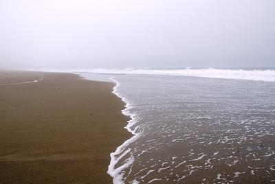 Foggy beach Gleneden Beach, Oregon July 2007  Copyright © 2007 Rick Kruer rickkruer.com  D200_2007-07-09DSC_1304-CavalierSurfFogSouth-2.psd