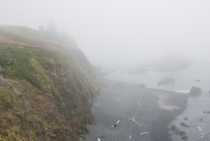 Yaquina Head, Oregon in the heavy fog.<br /> D200_2007-07-14DSC_1908-YaquinaHeadFog-2.JPG