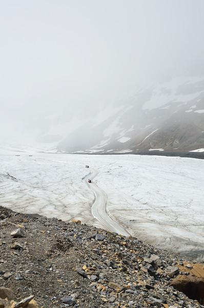 Path onto the glacier.