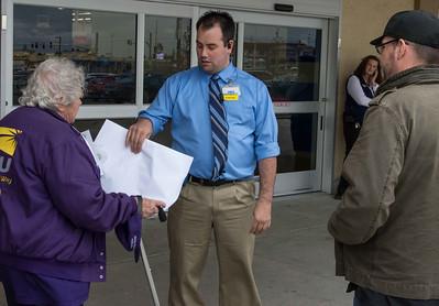 Wal-Mart Black Friday Action  11-26  Everett