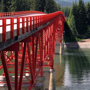 Love the lines of this bridge.