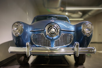 Since I was a kid, I've loved the styling of this Studebaker ... a company well ahead of it's time.