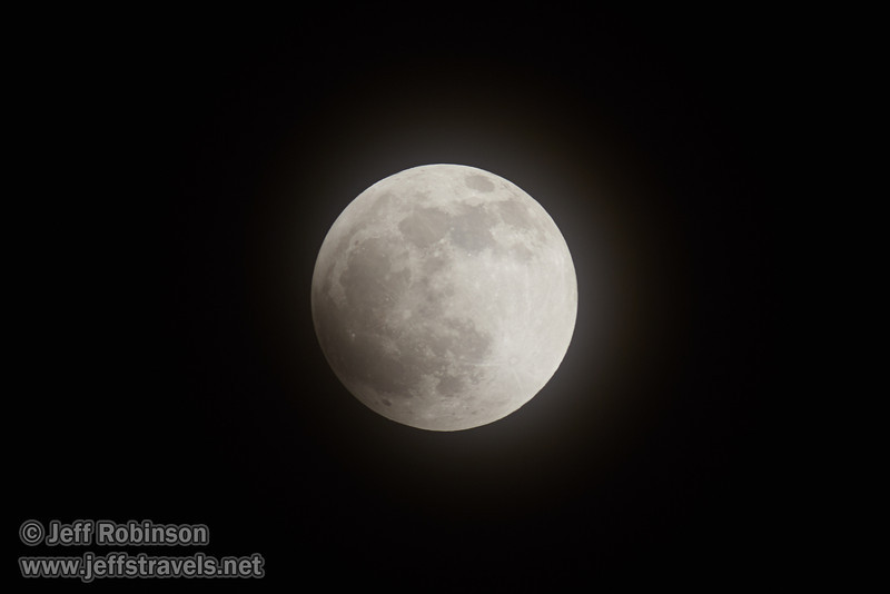 The moon just starting its eclipse (4/15/2014)<br /> EF400mm f/5.6L USM +2x III @ 800mm f11 1/125s ISO400