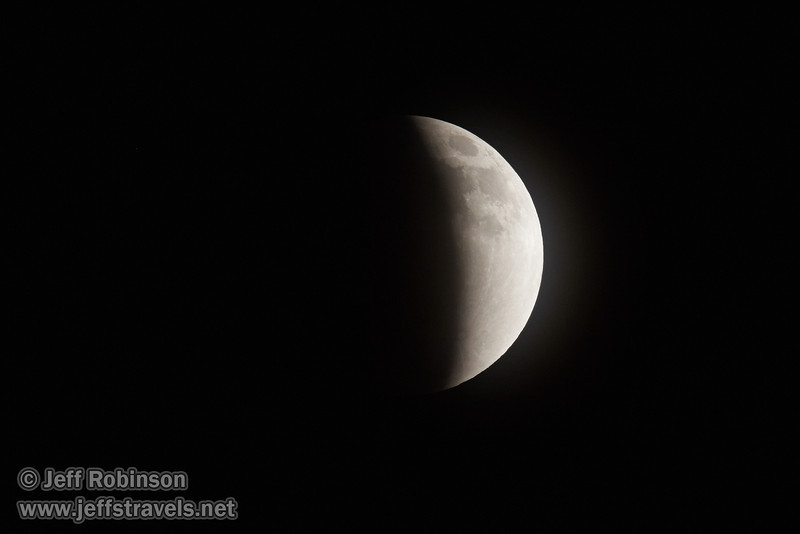 The moon more than half-way towards entering total eclipse (4/15/2014)<br /> EF400mm f/5.6L USM +2x III @ 800mm f11 1/100s ISO1600